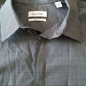 Calvin Klein Black/White Plaid Button Down Shirt